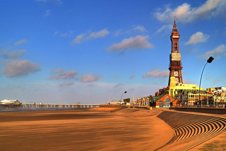 Blackpool Beach... by TheBaldingOne