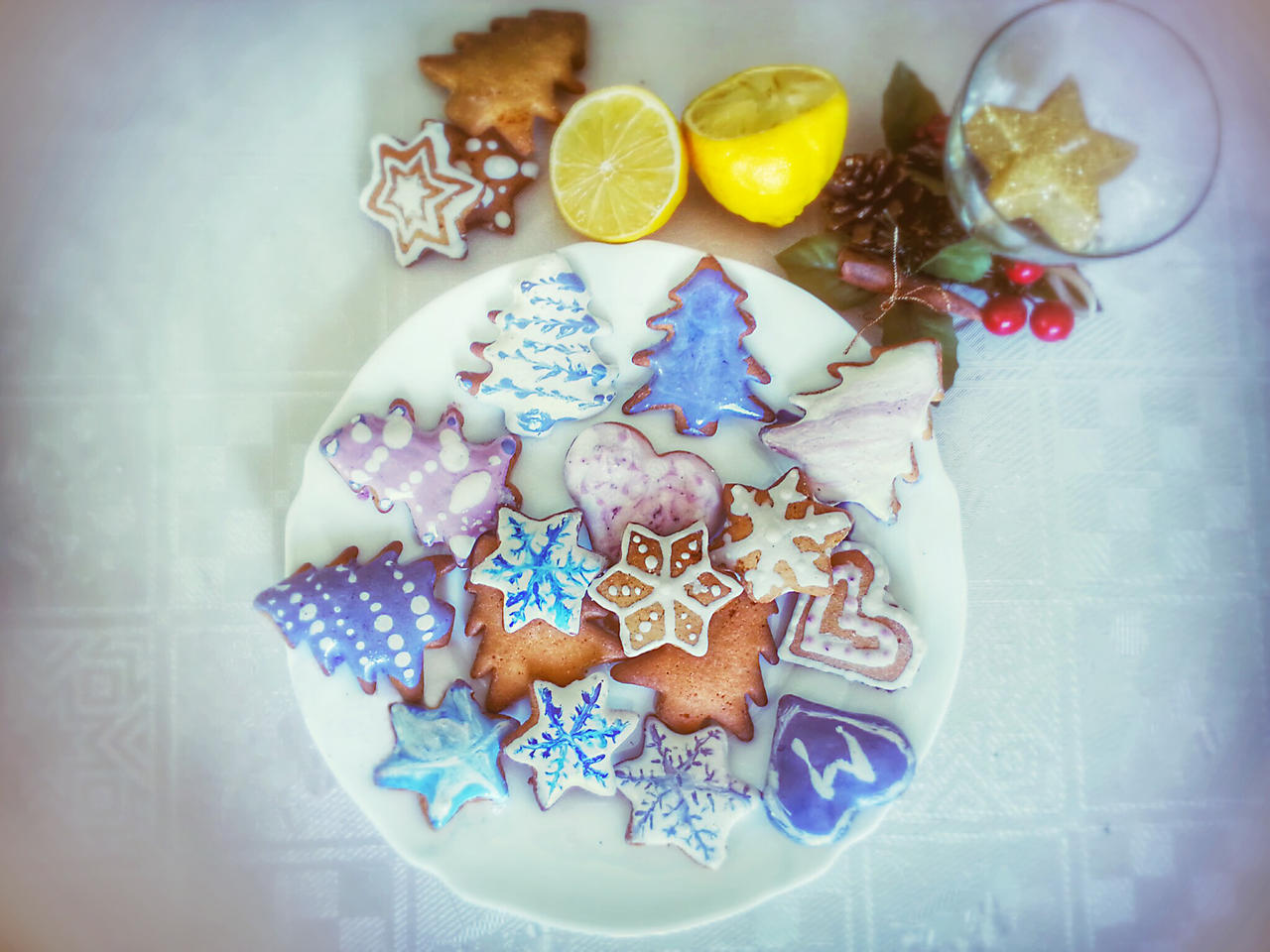 Gingerbread by dorotejabloodthirsty