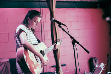 Leah Shaw in concert