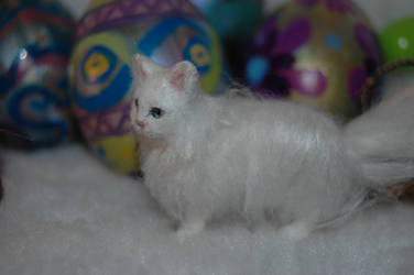 Dollhouse miniature felted white persian cat by carine-cote