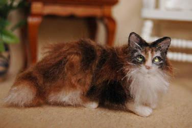 Bella- 1/12 scale miniature felted calico cat