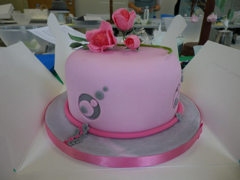 Cake Decorating Course Rhyl : cake decorating course - floral feature side by ...