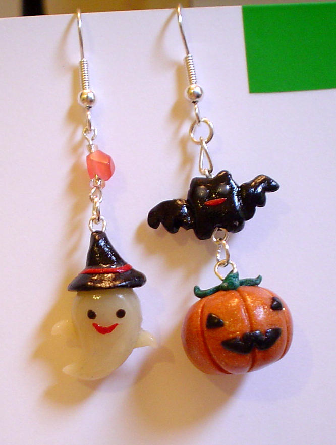 HAPPY HALLOWEEN Earrings by olamo
