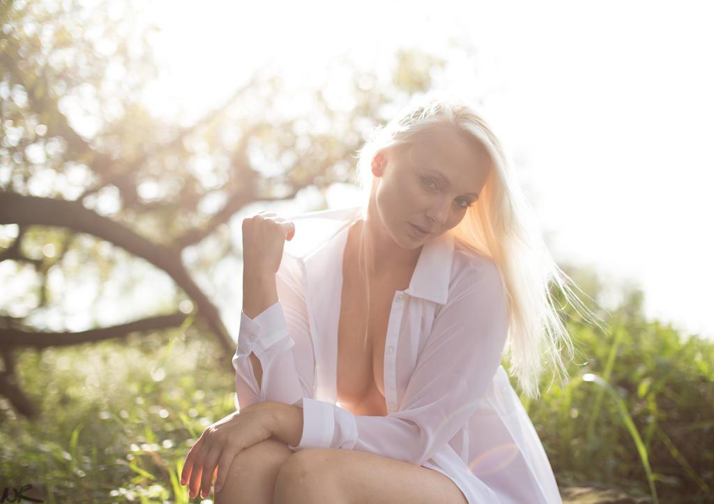 Little bit sunshine by Dyxtreme
