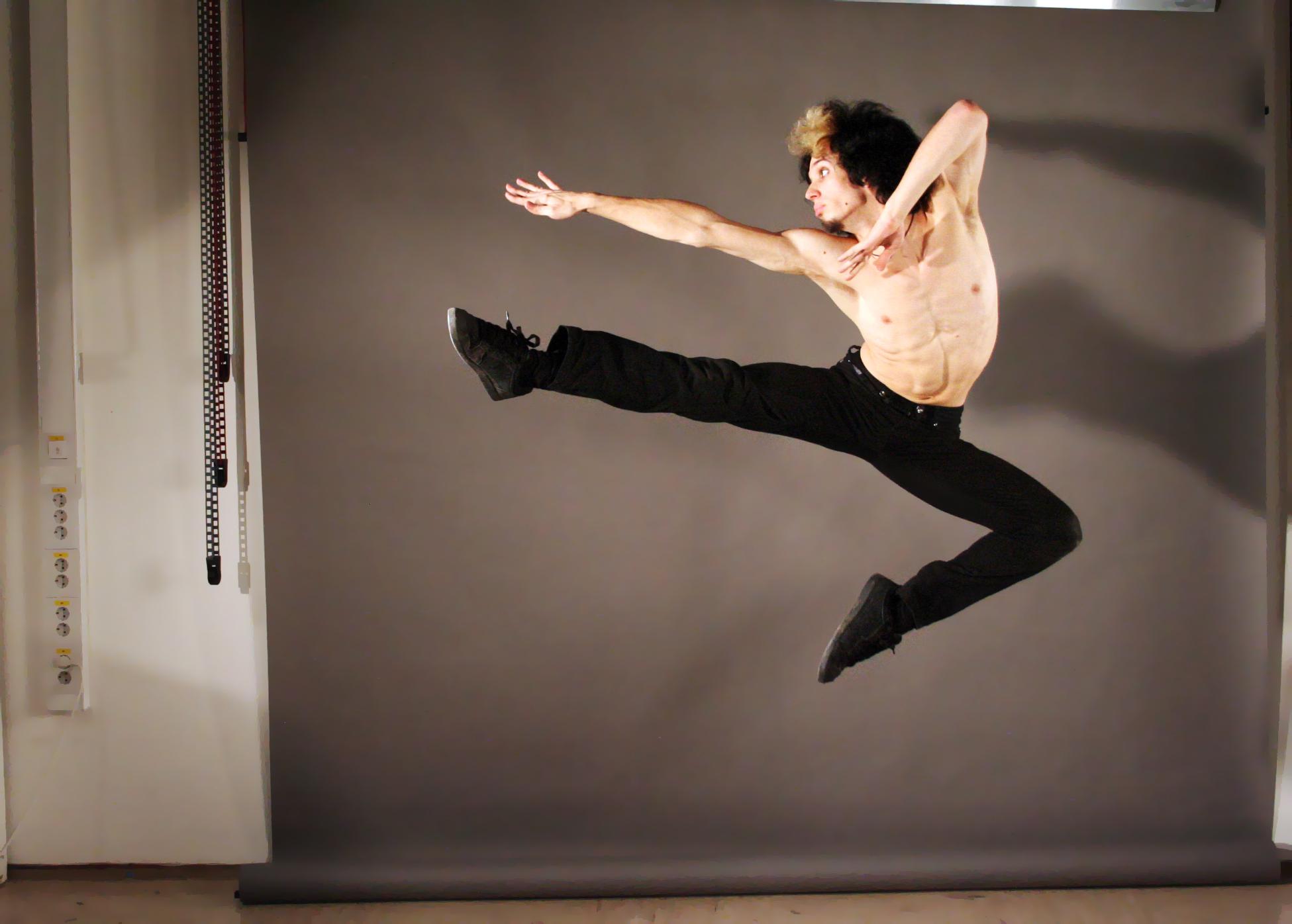 Jump1 by DaeStock