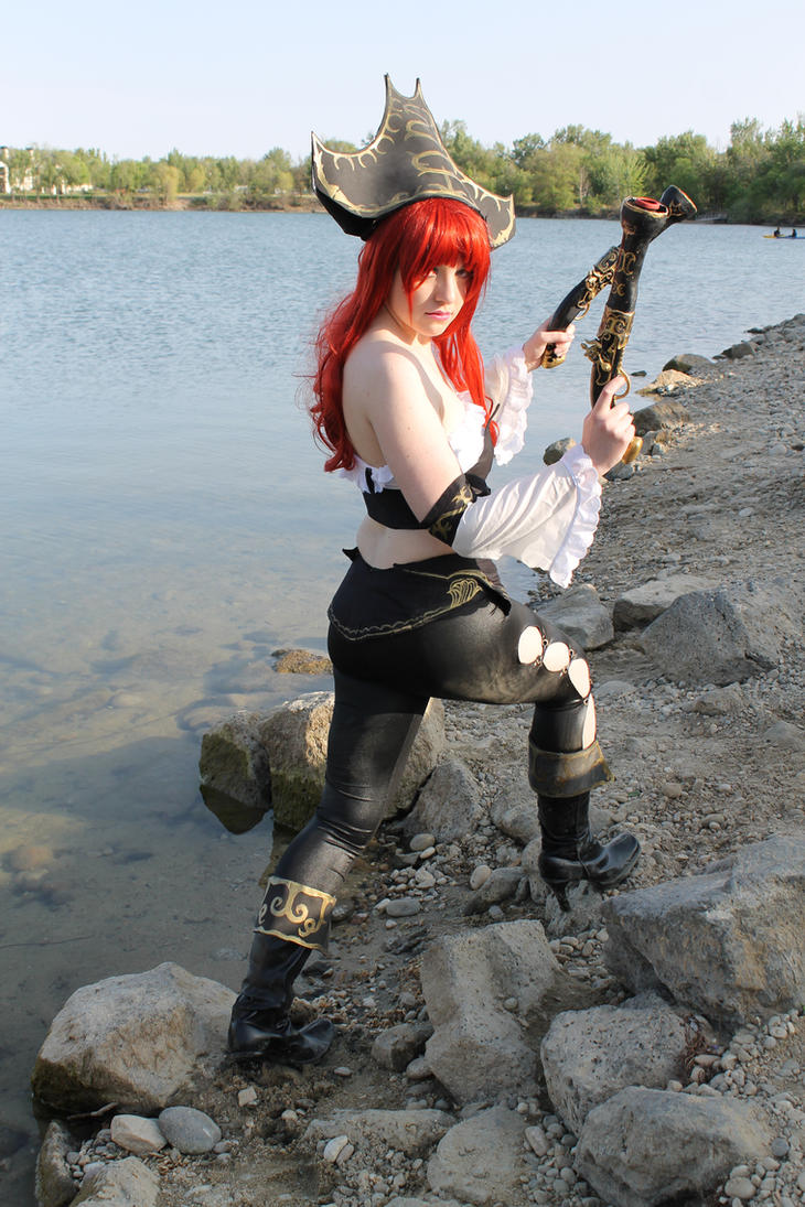 Miss Fortune LOL Cosplay by IceDragonCosplay