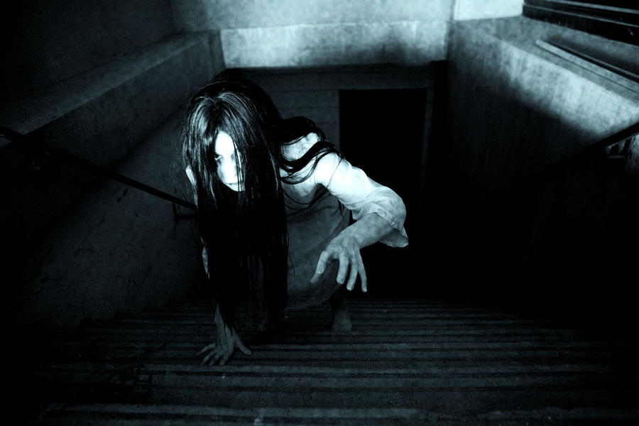 Samara Morgan / Sadako Yamamura dari The Ring dan Ringu