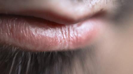 his lips by Rai-nbow