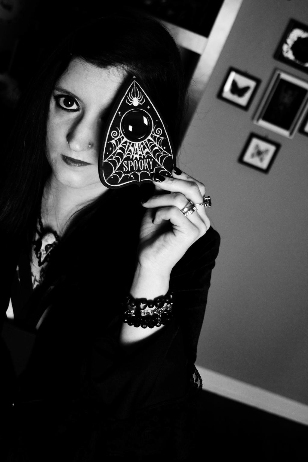 Little-Ms-Spooky's Profile Picture
