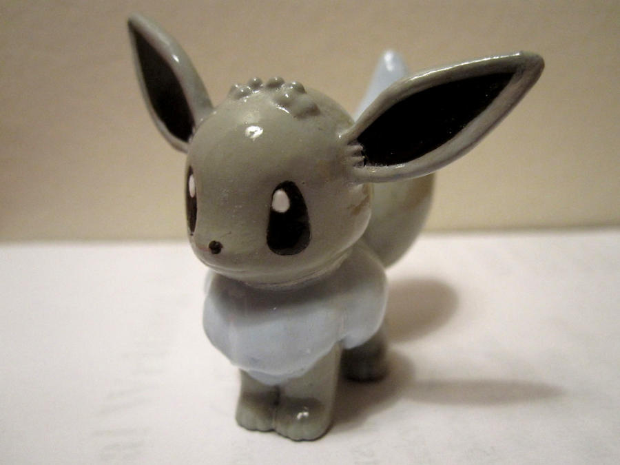 Shiny Eevee Tomy Repaint by caffwin
