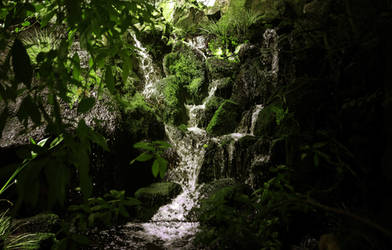 Small waterfall by JackieTran