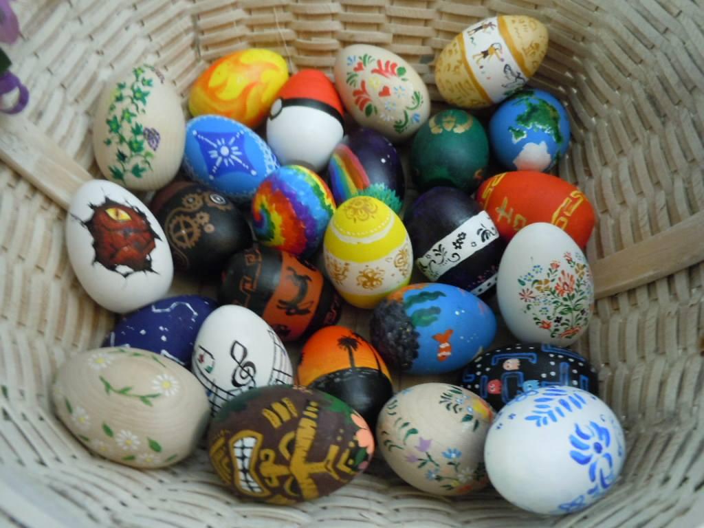 Wooden Eggs by zaionczyk