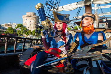 Captain Fortune and Corsair Quinn by CosplayCorp