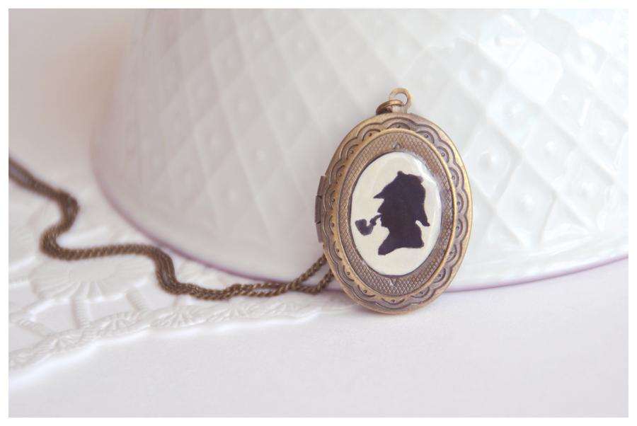Sherlock Holmes Locket by Leviana