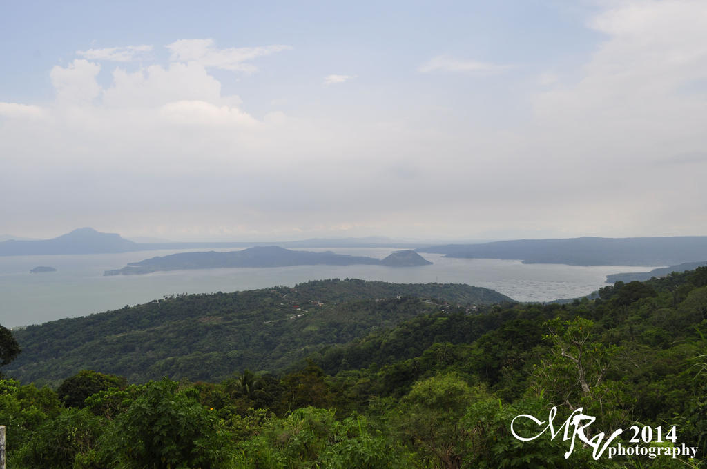 Beautiful Taal Lake by mrvp