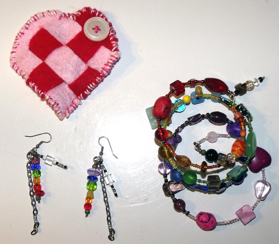 Rainbow Jewelry for swap by mintdawn