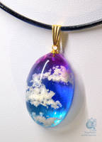 The Great Sky #02 - Resin pendant