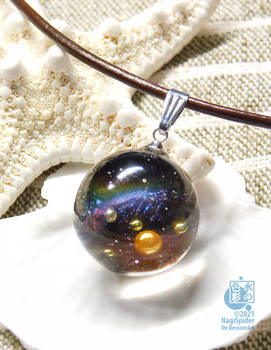 The drop of the aurora #03 - Resin pendant