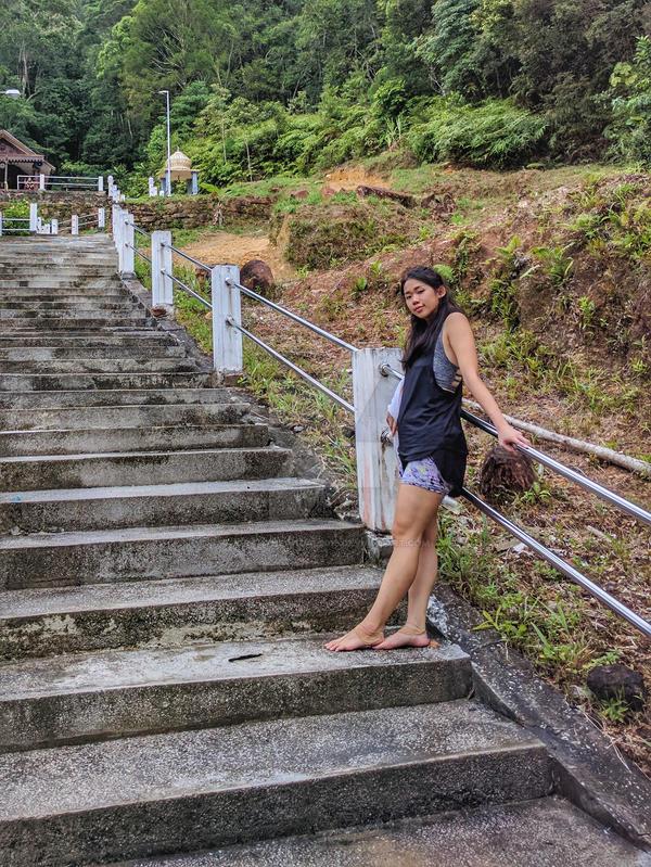http://img05.deviantart.net/a285/i/2017/040/0/3/barefoot_hike__37_by_jorahtheandal2015-dayf6im.jpg