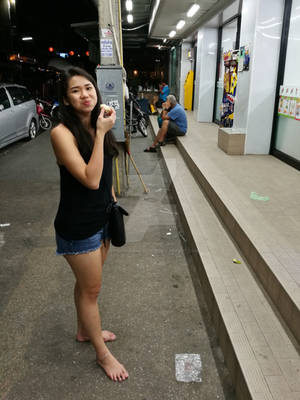 Barefoot in 7-Eleven #01