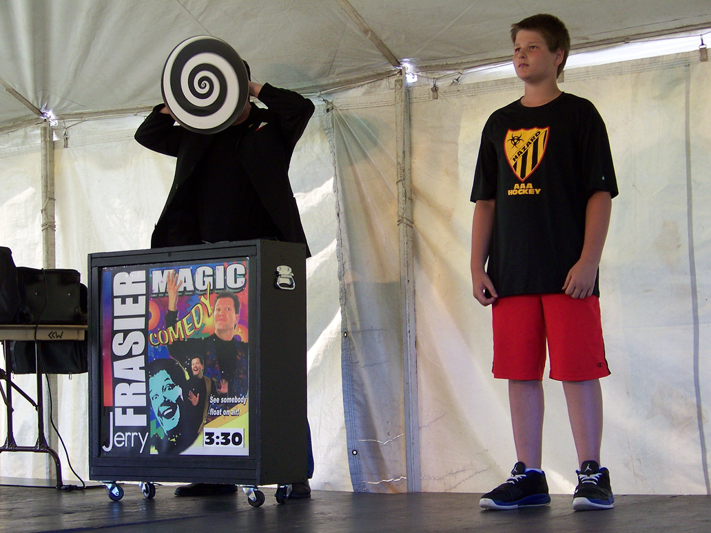 Comedy Magician Jerry Frasier 7/4/2014 3:52 by Crigger