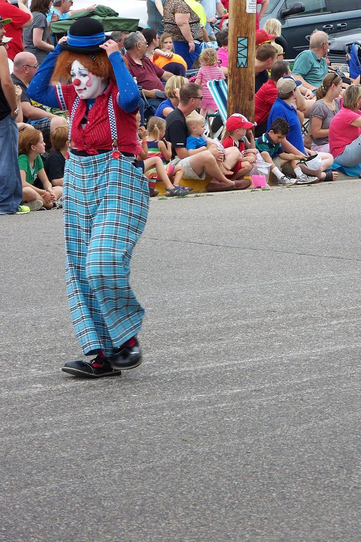 Clown at Big Top Parade BarabooWI 7/26/2014 K16188 by Crigger