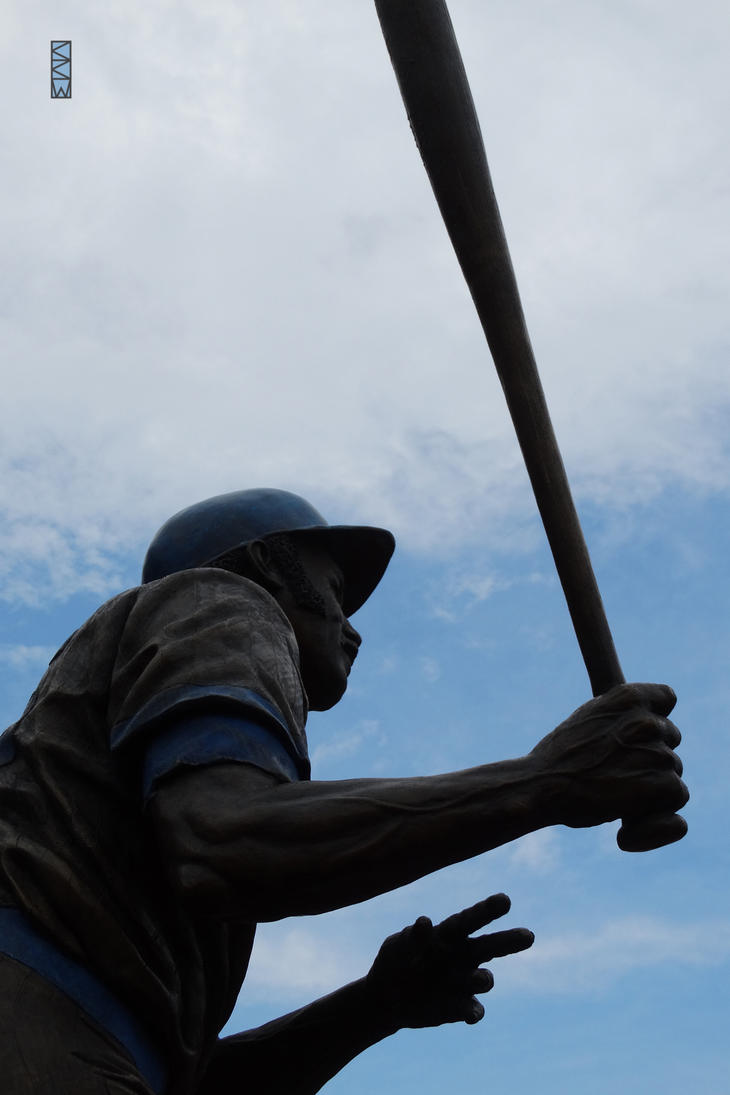 Sweet Swinging Billy Williams statue6/29/2015 3:25 by Crigger