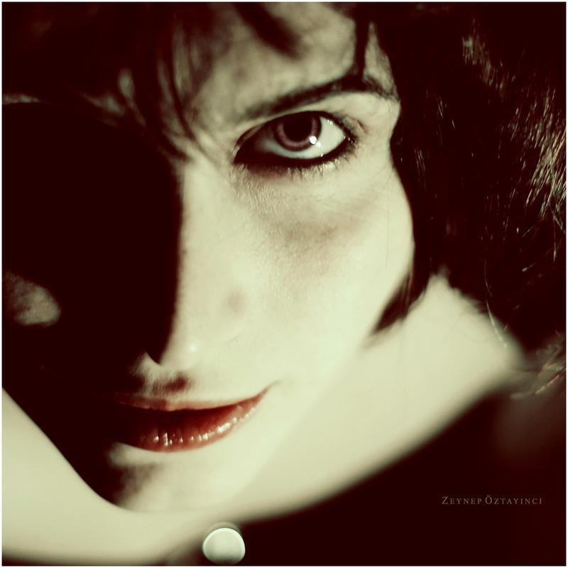 look at my eyes by estellamestella