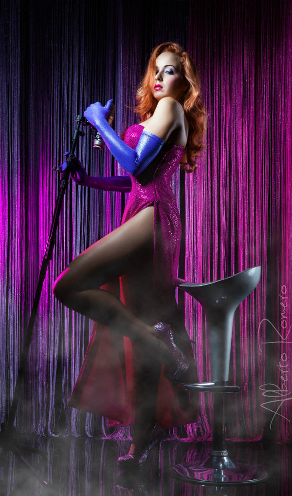 Jessica Rabbit Cosplay by SrtaRoxanne