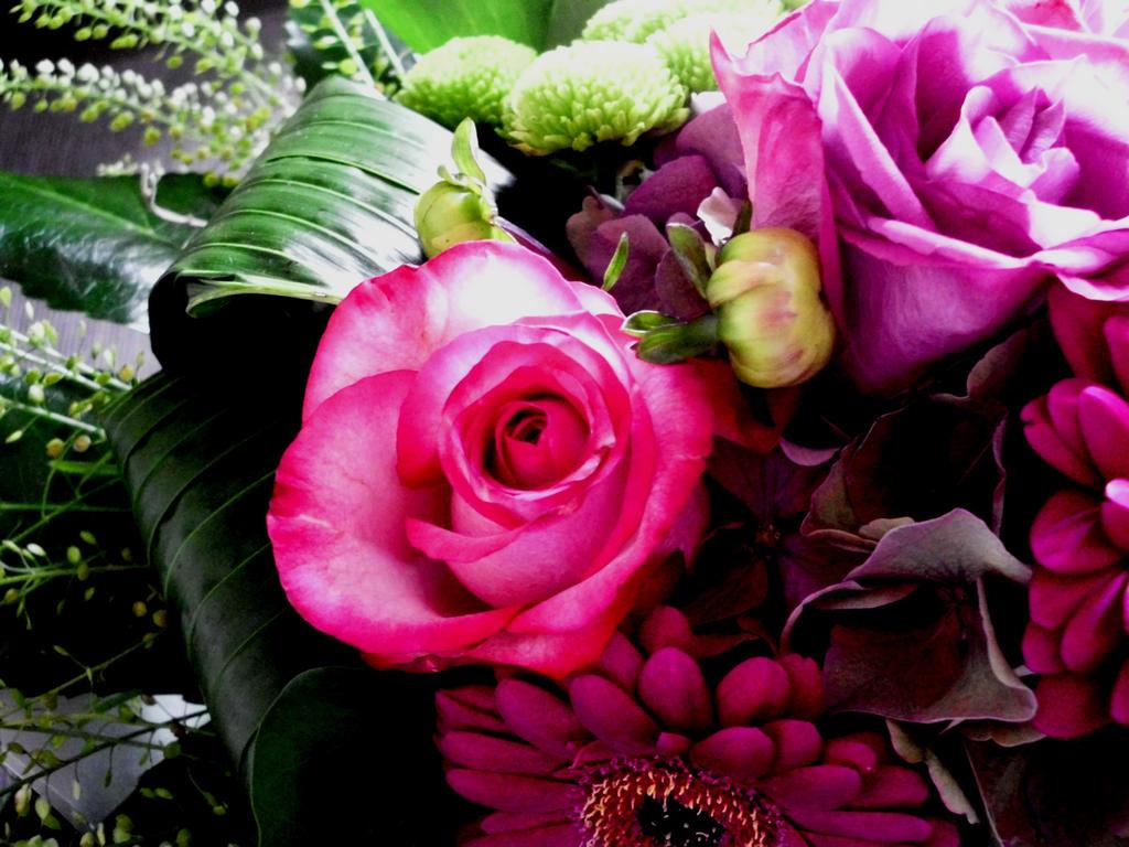 Blumenstrauss by Miirabellaa