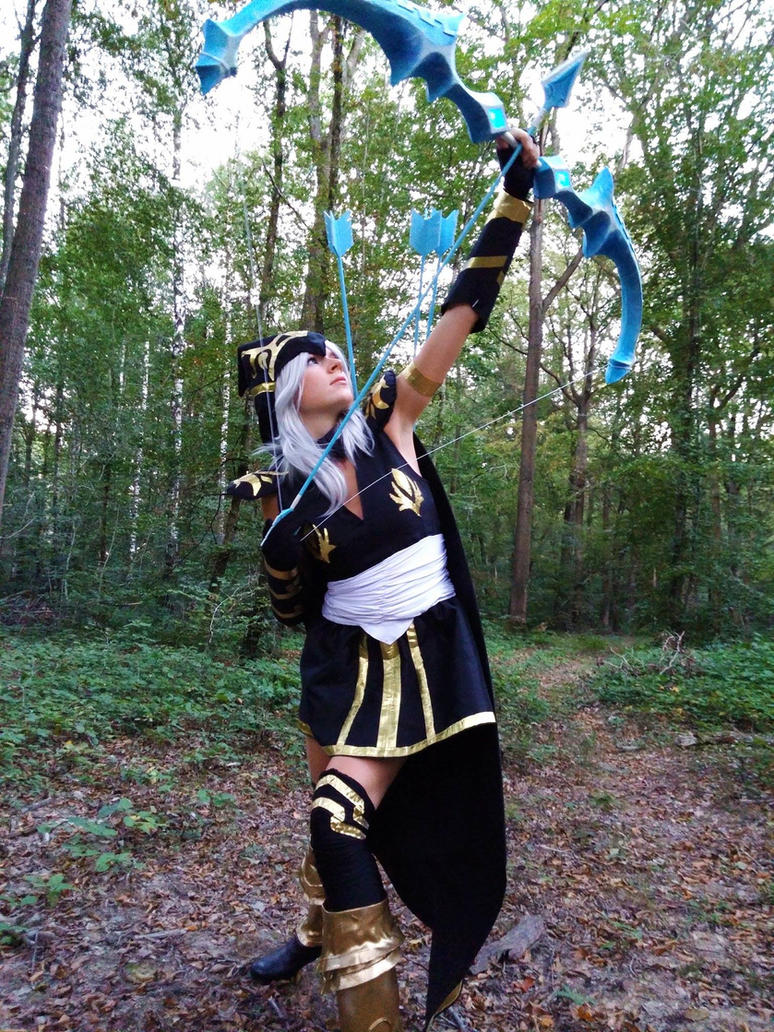 Ashe in forest by Mayaneku
