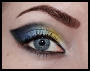 Blue and yellow cateye by aurelia87