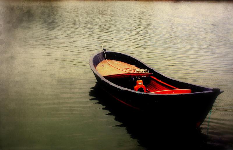 little black boat by unusualme
