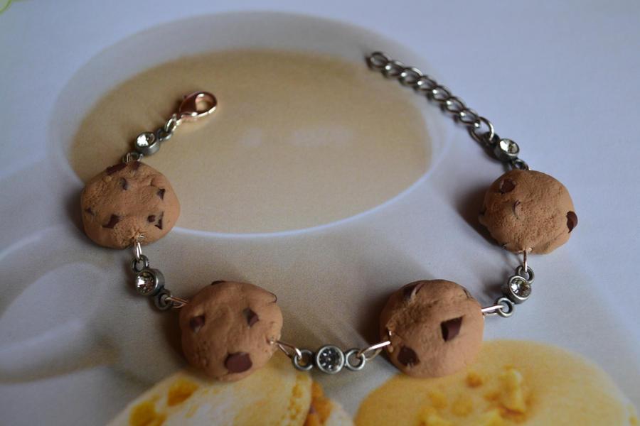 Chocolate Chip Cookie Bracelet by PugsAndTea