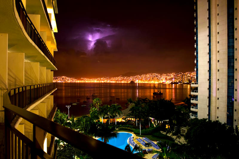 Acapulco Night by laloxxx
