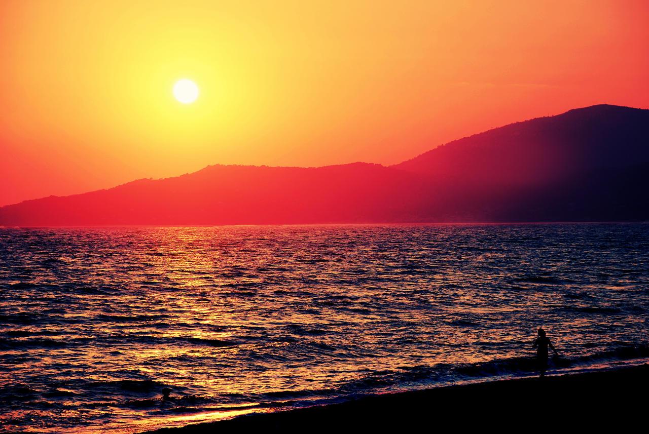 summer memories 『絶体絶命都市4plus -summer memories-』(ぜったいぜつめいとしフォープラス サマーメモリーズ)は、グランゼーラより発売予定の.