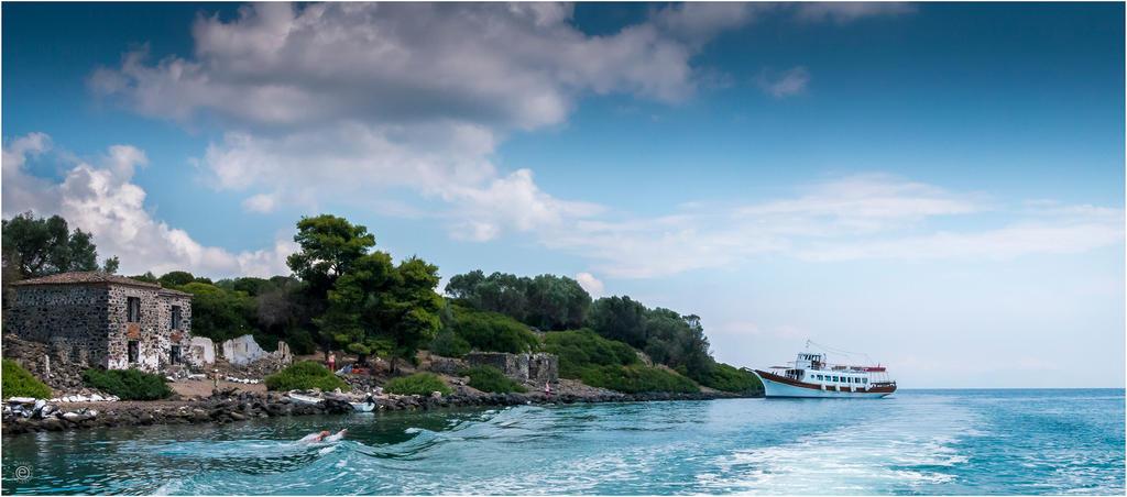 Lihades Island0003 by etsap