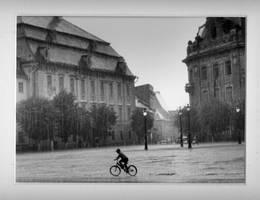Pedalant sous la pluie by Ellge