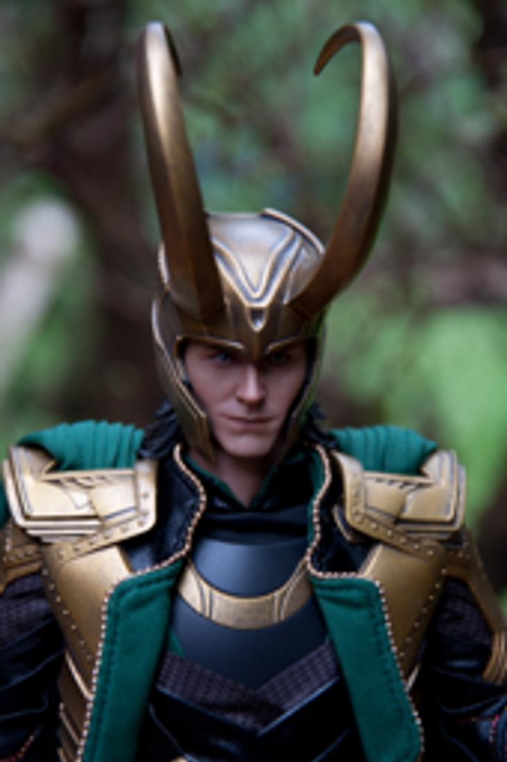 Hot Toys Loki by BeckyHolly
