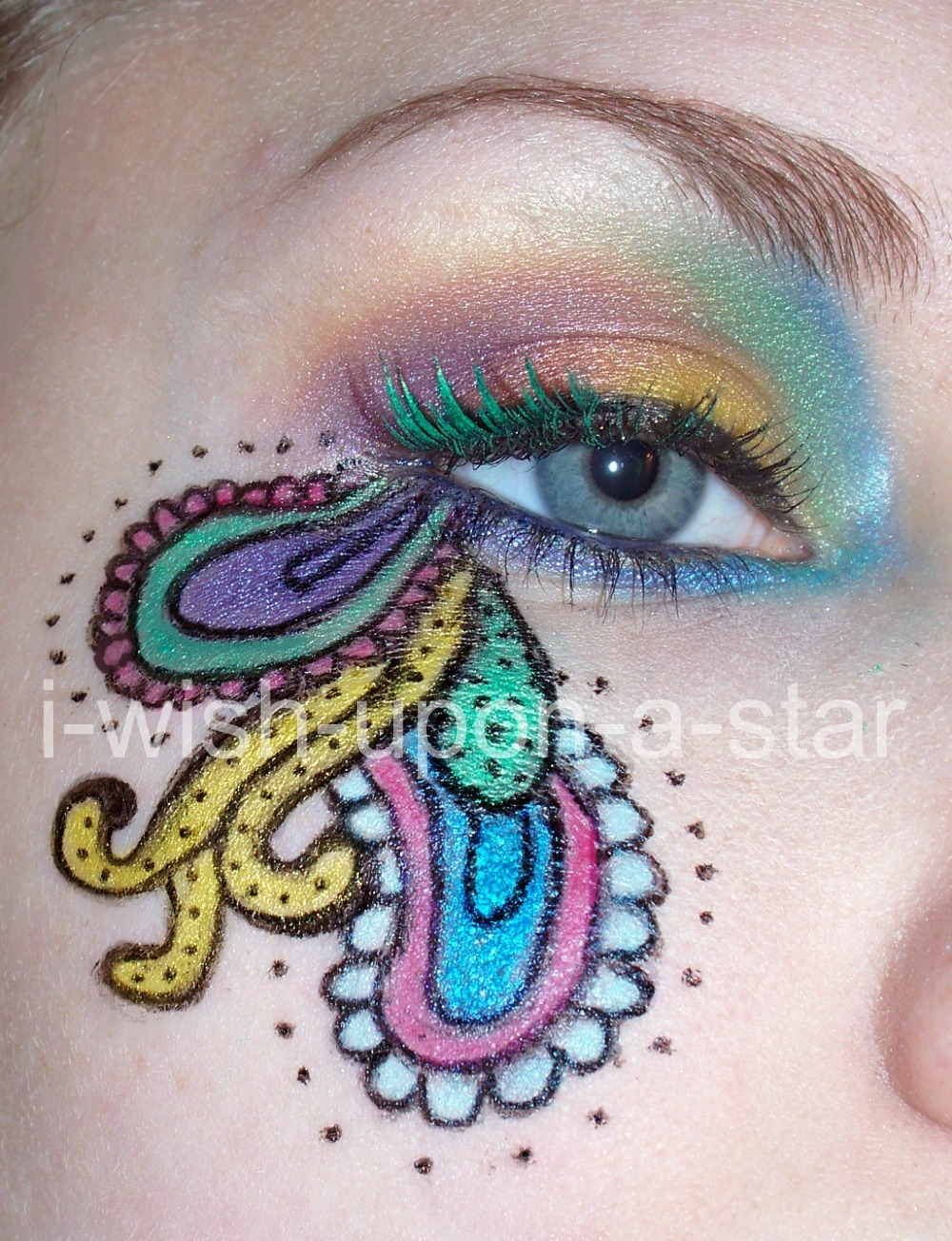 Paisley pattern eye makeup by i wish upon a star on deviantart paisley pattern eye makeup by i wish upon a star ccuart Images