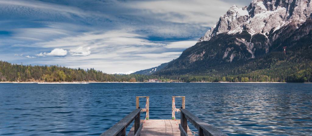 Lakeside by elariand