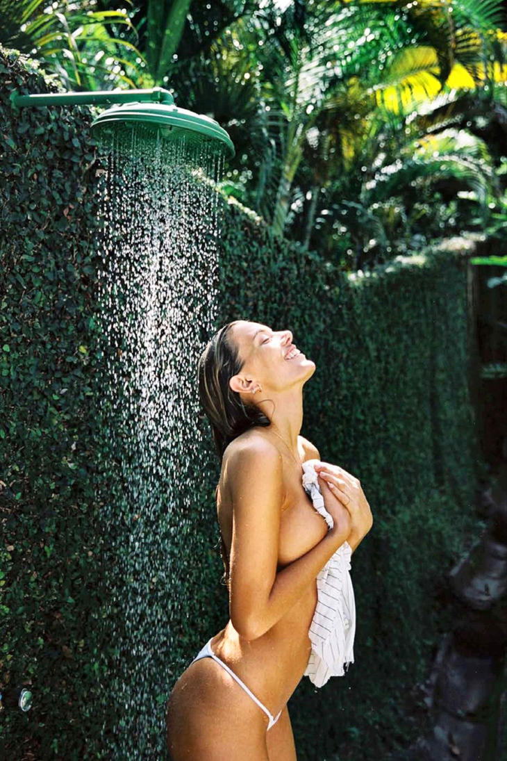 Bregje's Outdoor Shower by pcurto