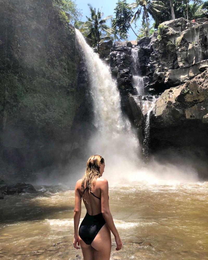Bregje At The Falls by pcurto