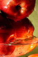 Fresh apples by selfOblivion