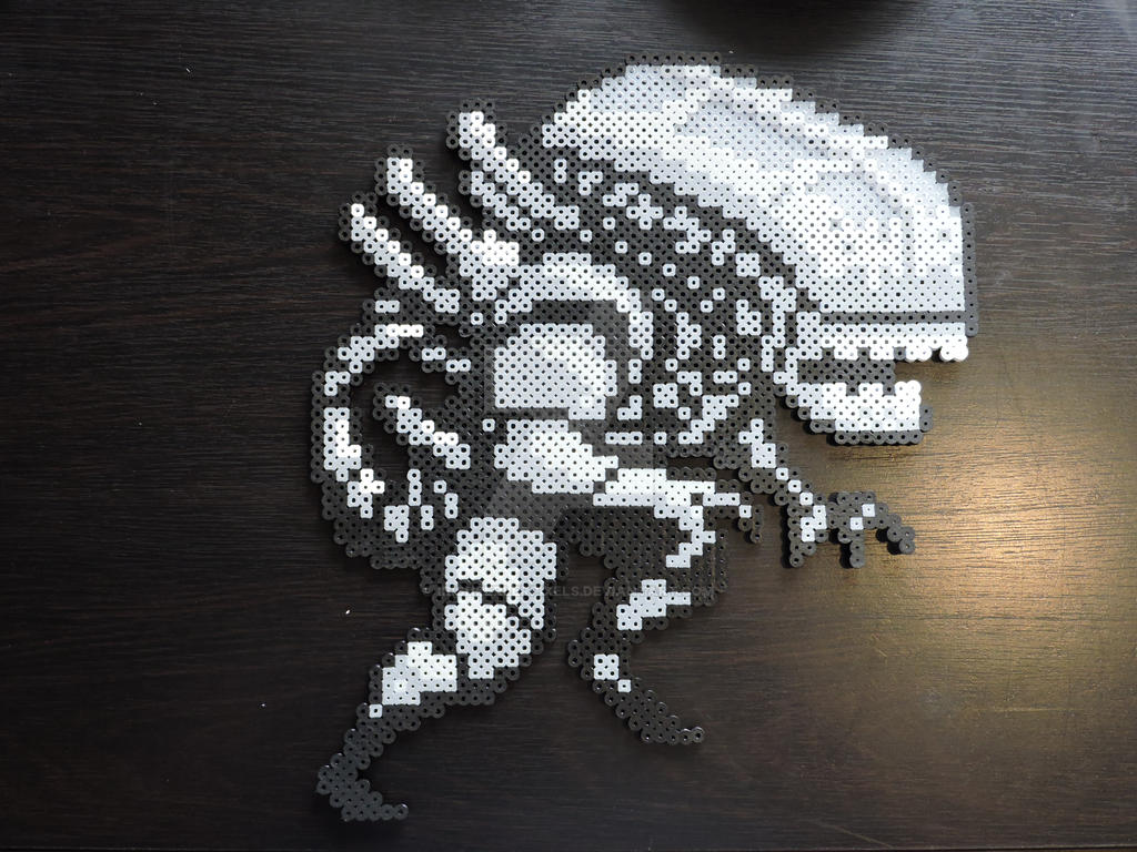 Xenomorph (Alien) Perler by IrishPerlerPixels