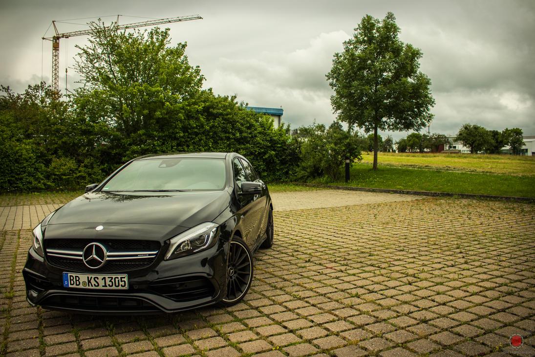 Mercedes A 45 AMG by VonHohenheiim