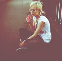 coca-cola and white glasses by emauz