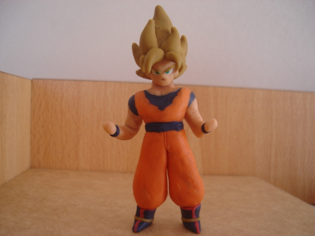 Goku ssj en plastilina by fsalkatras
