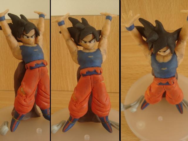 Goku Genkidama o Spirit bomb en plastilina by fsalkatras