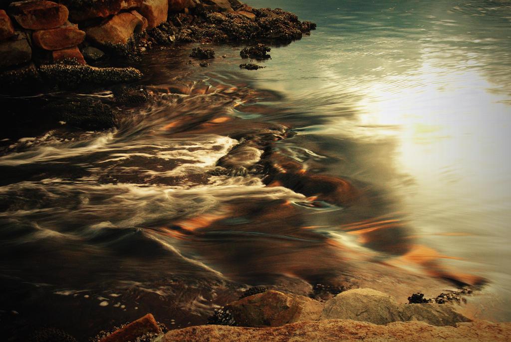 Tidal flow by Usedupspatout